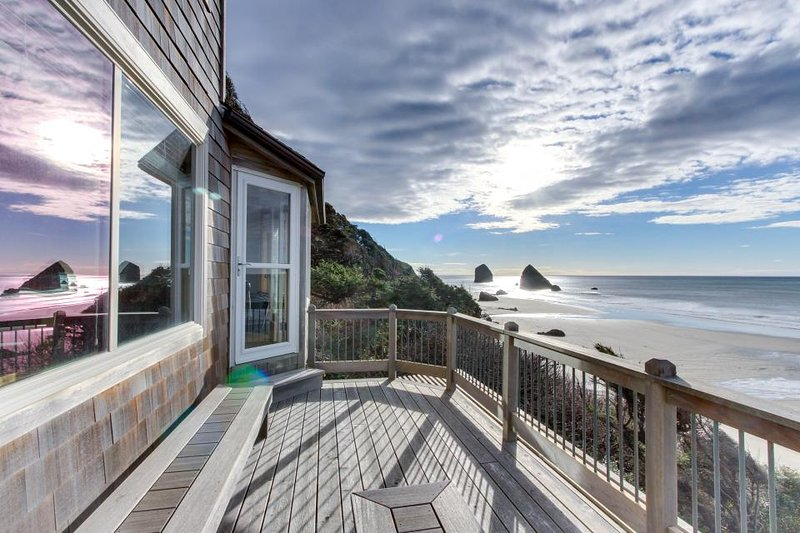 Best Cannon Beach Waterfront Hotels For Your Perfect Beach