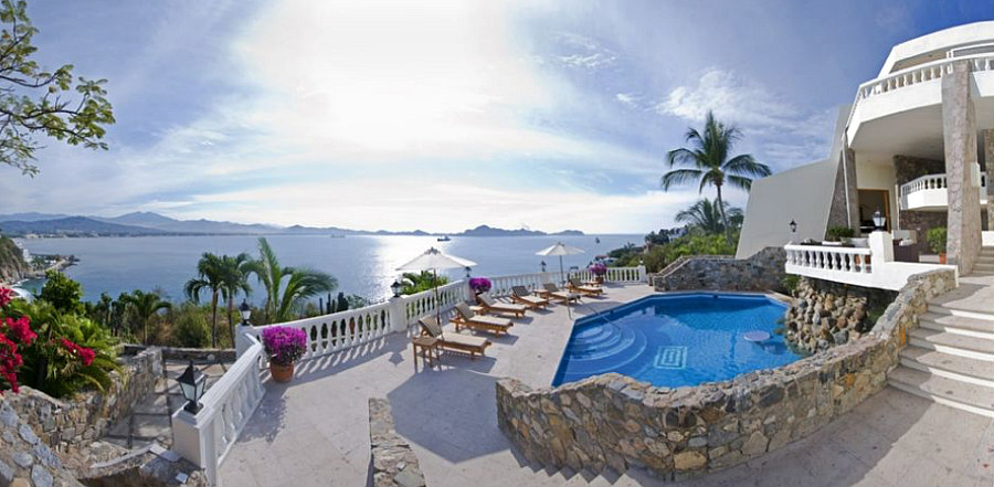 Luxury waterfront Manzanillo vacation rental.