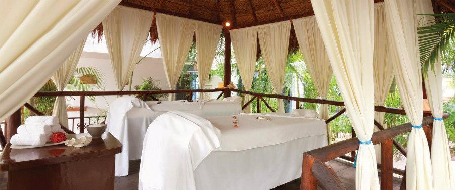 Outdoor massage at Hilton Playa del Carmen