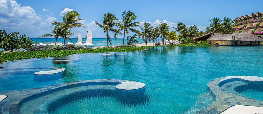 Playa del Carmen Beach Hotels: Infinity pool at Grand Velas!