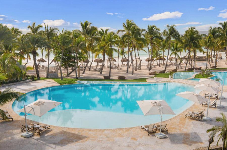 Eden Roc Infinity Pool and Beach