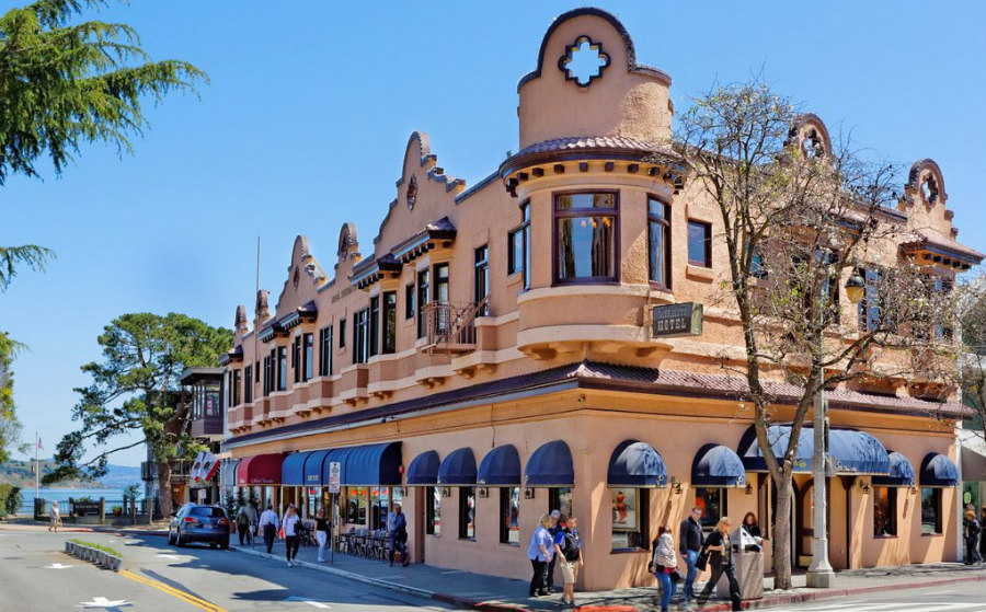Very close to waterfront hotel with character, The Hotel Sausalito